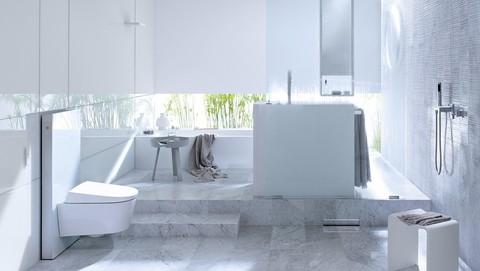 img-bath-22-monolith-white-16-9.jpg