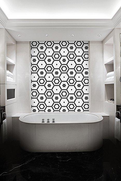 dunin-arabesco-hexagon-bee-bathroom.jpg