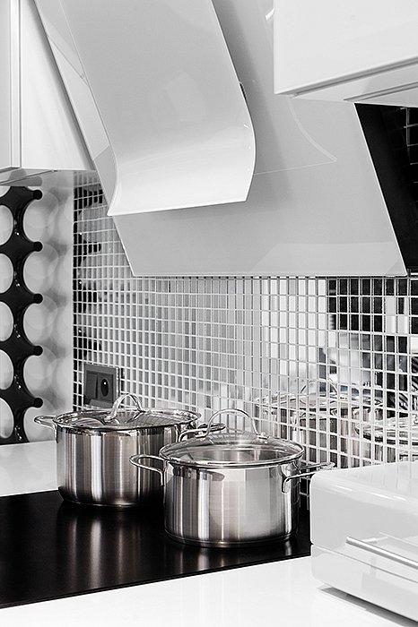 vitrum_white_kitchen_3.jpg